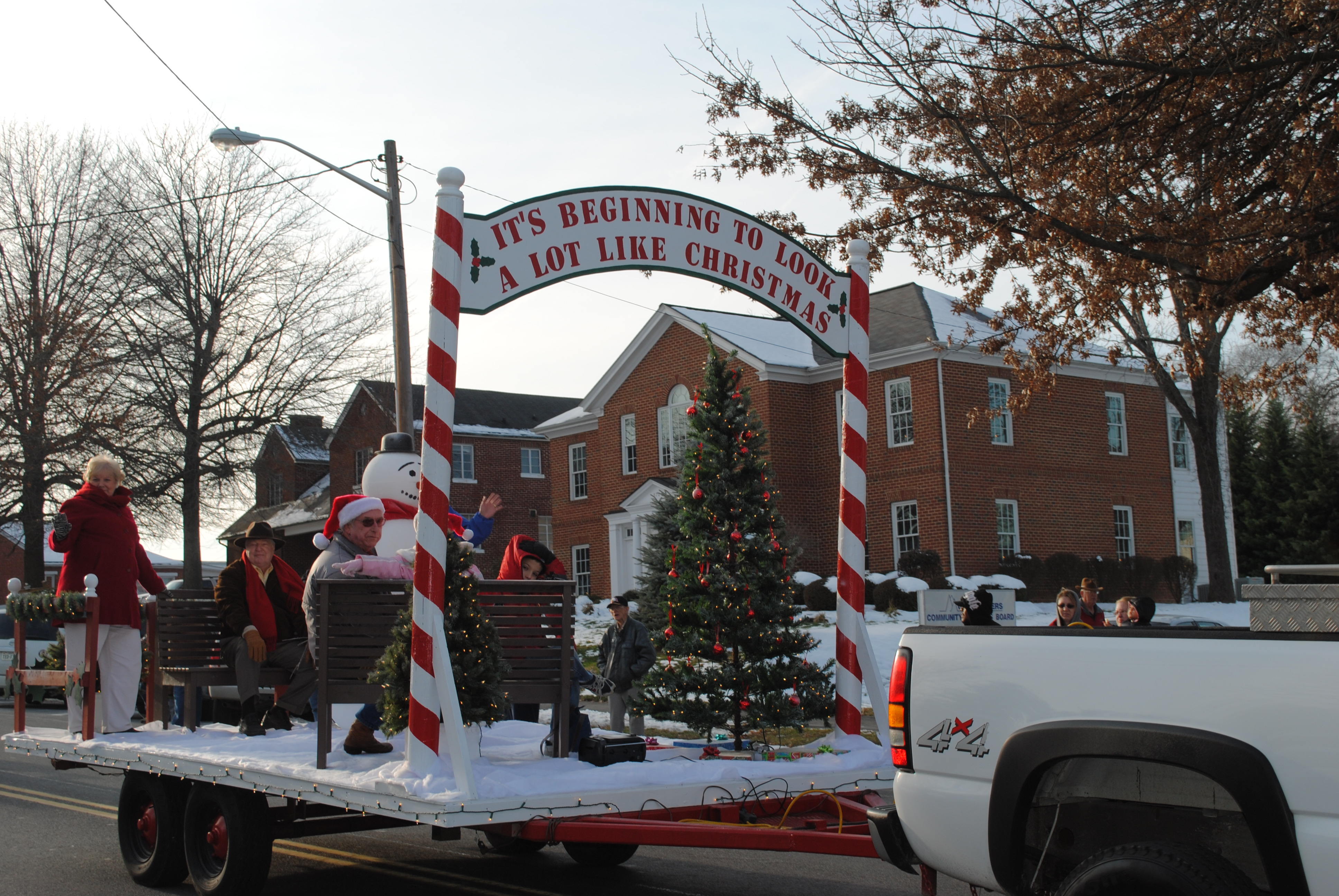 Wytheville S Christmas Parade Trinklemansion Com